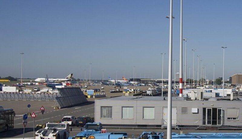 Infrastruktura logistyczna powietrzna to nie tylko lotniska, ale także przestrzenie manewrowe i odpowiednie urządzenia.